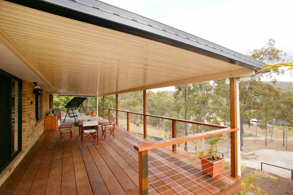 Kwil Deck , Wire Balustrade & Patio